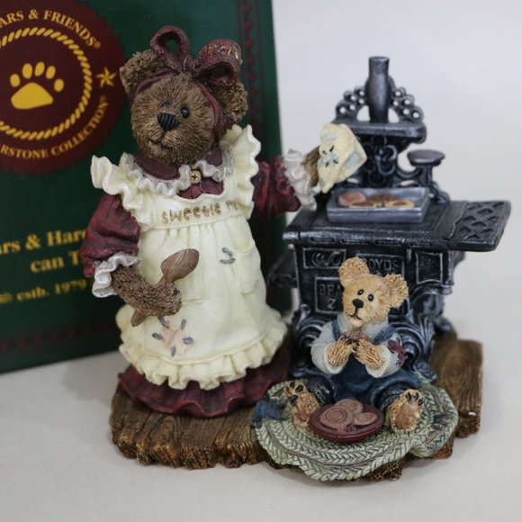 Boyds Bears Other - Boyds Bear Resin Aunt Becky Cookie Quality Control